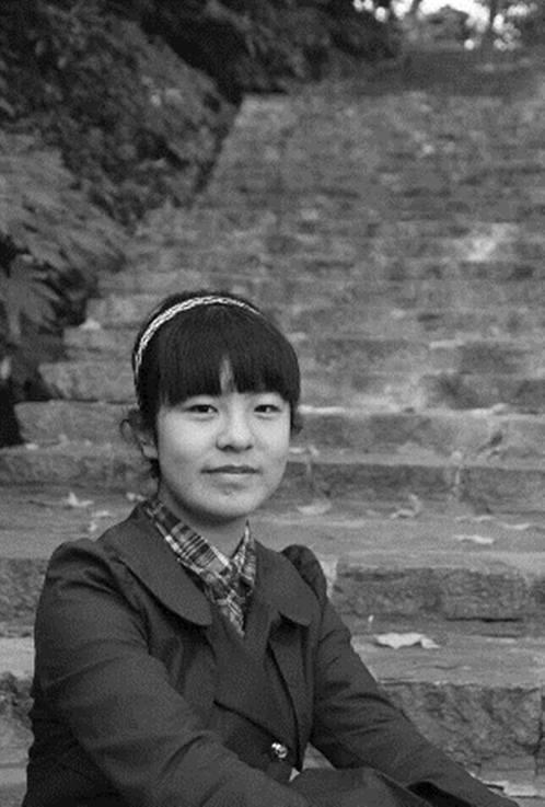 """温婉美女和阳光暖男双双高中南京中考""""状元""""(图)"""