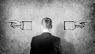 初创企业应该更注重盈利能力还是高估值?