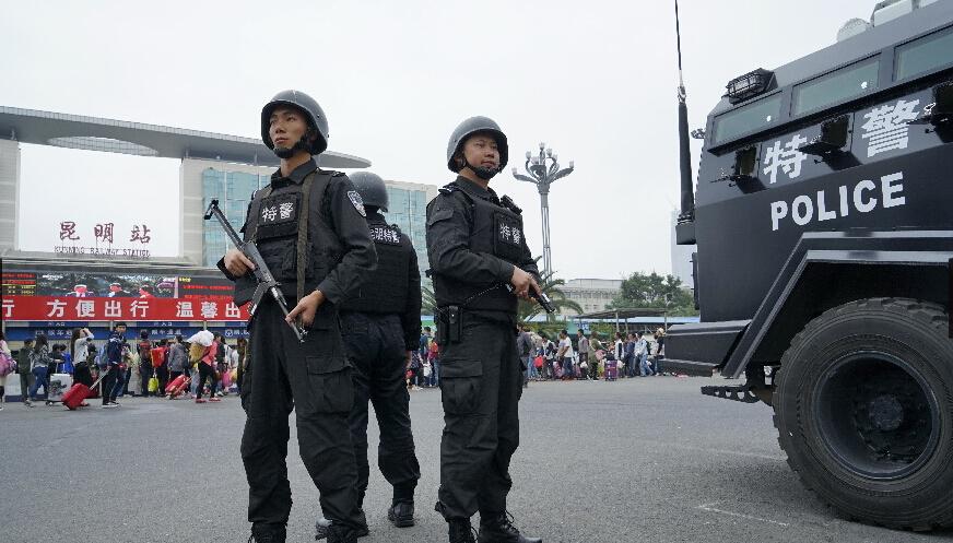 纪念抗战胜利70周年 昆明警方坚守岗位保平安