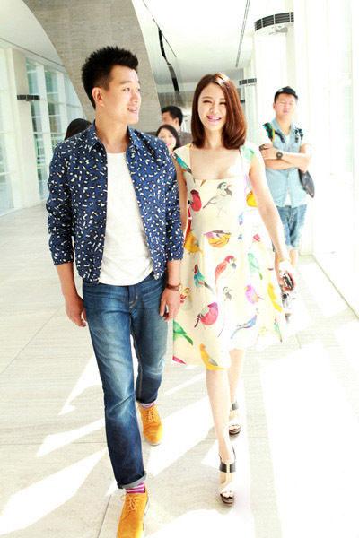 佟大为关悦获时尚杂志评选年度最佳着装情侣