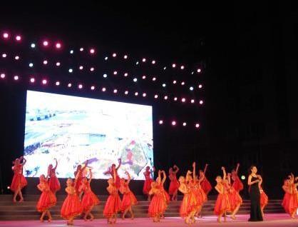 天津举办艺术节 外来务工人员唱响劳动者之歌