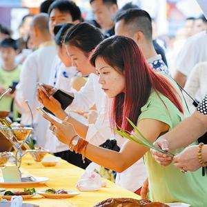 吃货的福音 广西华南城开展东南亚美食节