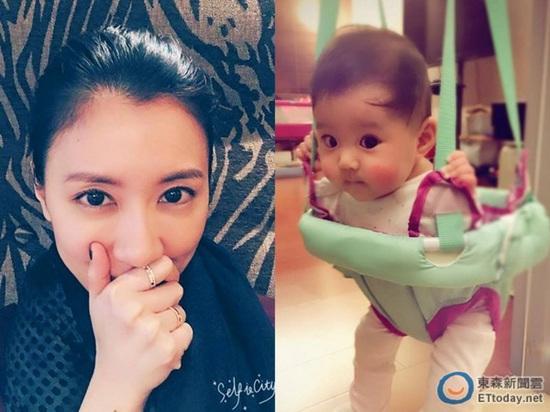 贾静雯小女儿玩婴儿弹跳椅 好奇东张西望模样可爱